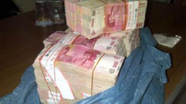Uang dalam Karung