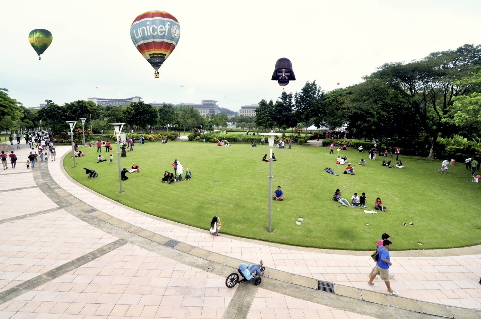 Have Breakfast with Balloons! Only at The 6th Putrajaya International Hot Air Balloon Fiesta, 27-30 March