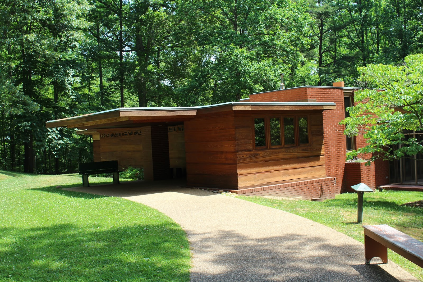 Iamchristyfierce frank lloyd wright pope leighey house for Frank lloyd wright list of houses