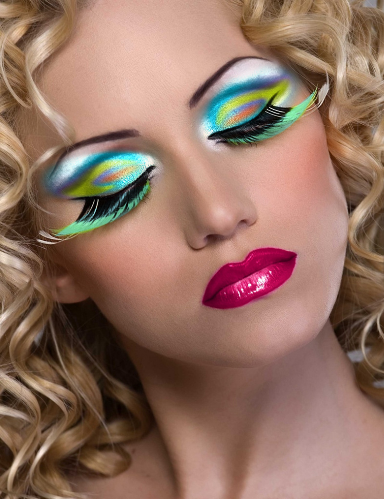 All fun usa hot fashion tips 2012 in usa eyes makeup and beautiful girls Fashion makeup and style tips