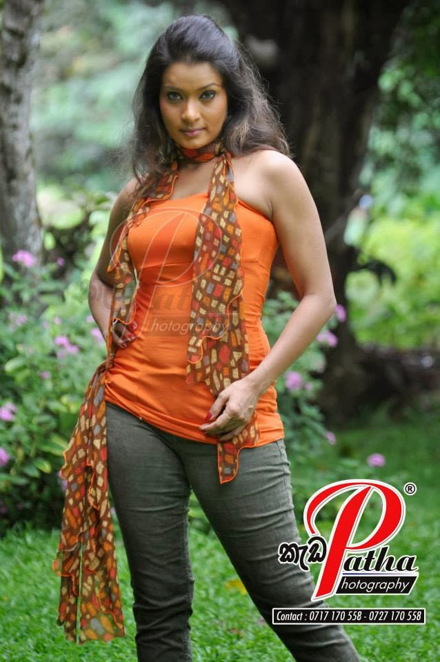 Himali Siriwardana hot jeans