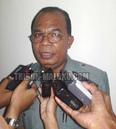 Jabatan Wali Kota Tual, provinsi Maluku hingga saat ini masih kosong pasca meninggalnya Mahmud Muhammad Tamher dan proses pemerintahan masih dipegang oleh Wakil Wali Kota setempat, Adam Rahayaa