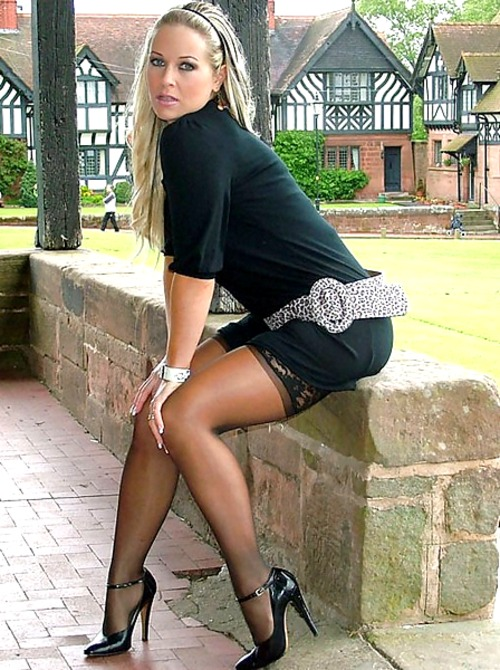 Sexy milfy heels