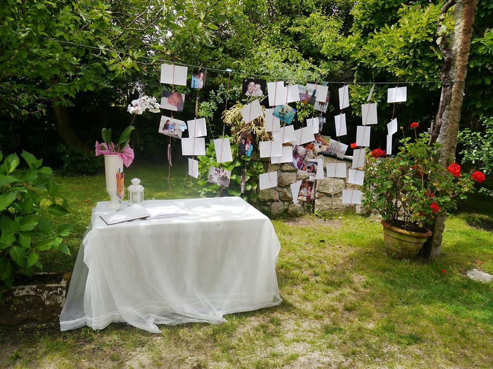 Rincó´n de deseos para una boda: tenderete de tarjetas y fotos