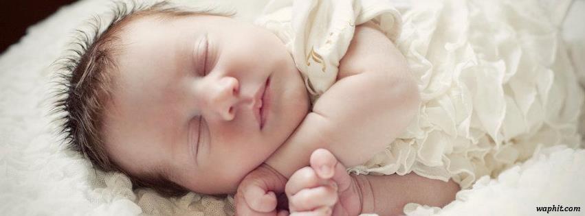 Uyuyan bebek facebook kapak fotoğrafı