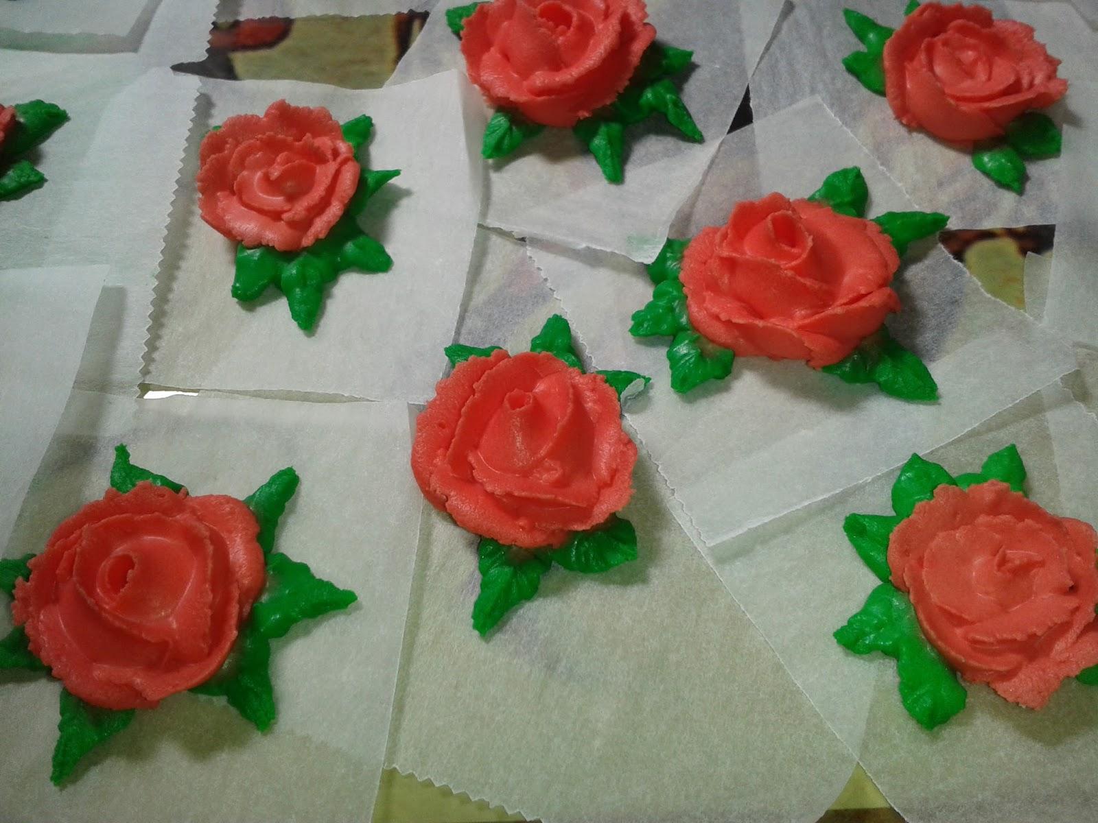 Agarimos | Cakes and Cookies: FIGURITAS DE GLASA REAL ( II ): ROSAS 3D