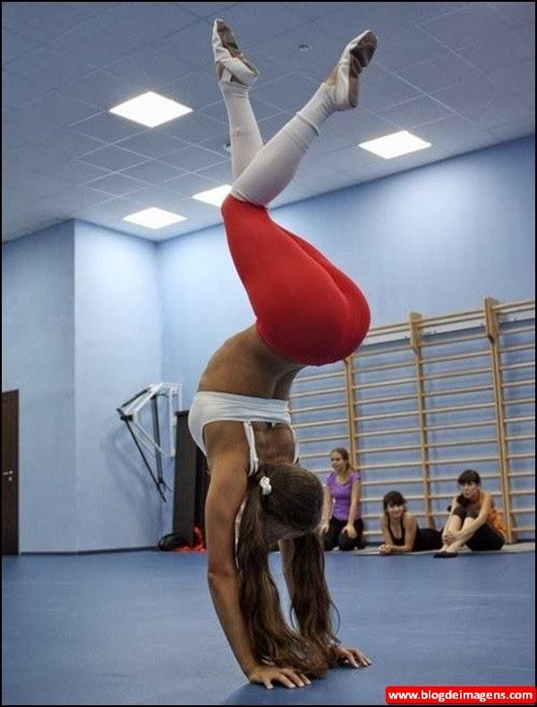 mulheres gostosas usando calças de ginastica