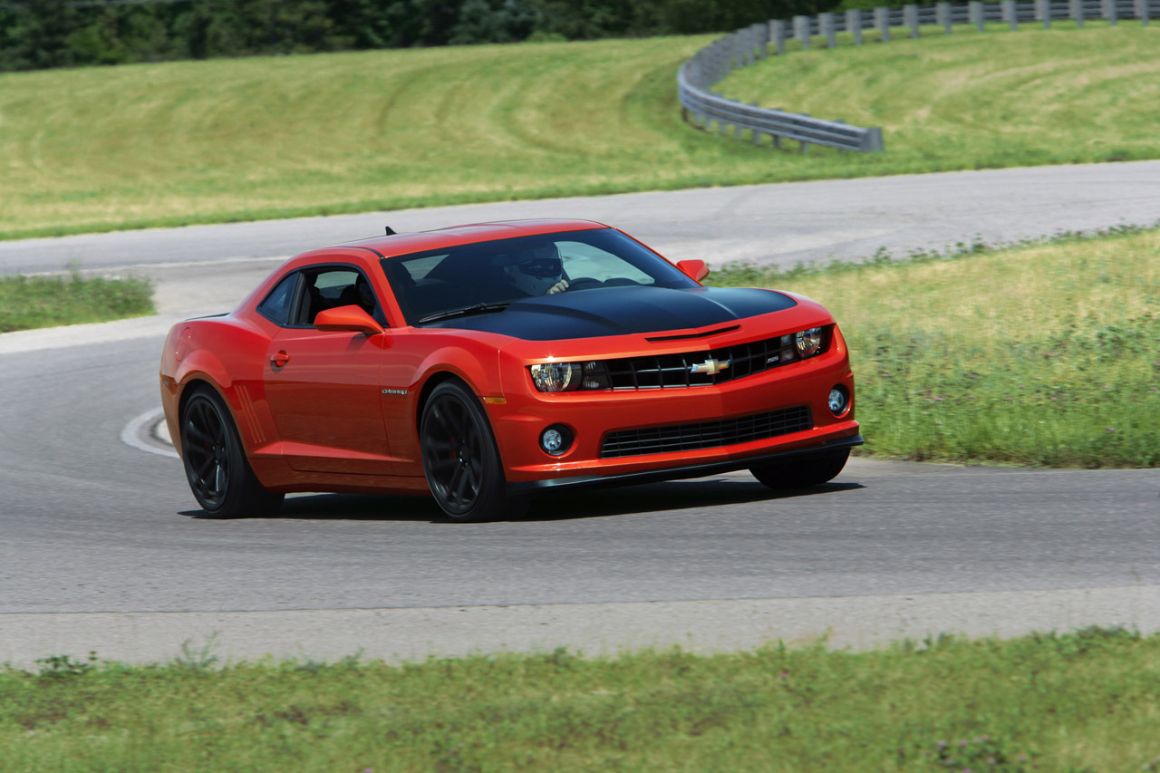 2013 Chevrolet Camaro 1LE red 2