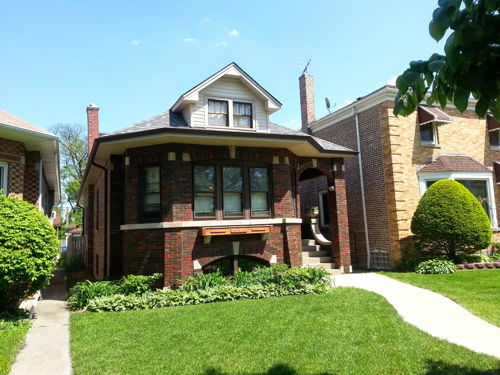 The chicago real estate local rented galewood house with for Classic chicago house