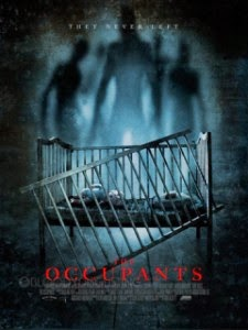 ver The Occupants / Los ocupantes / Las presencias (2014)