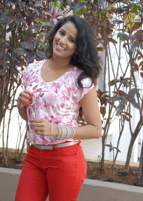 sravya reddy new hot images