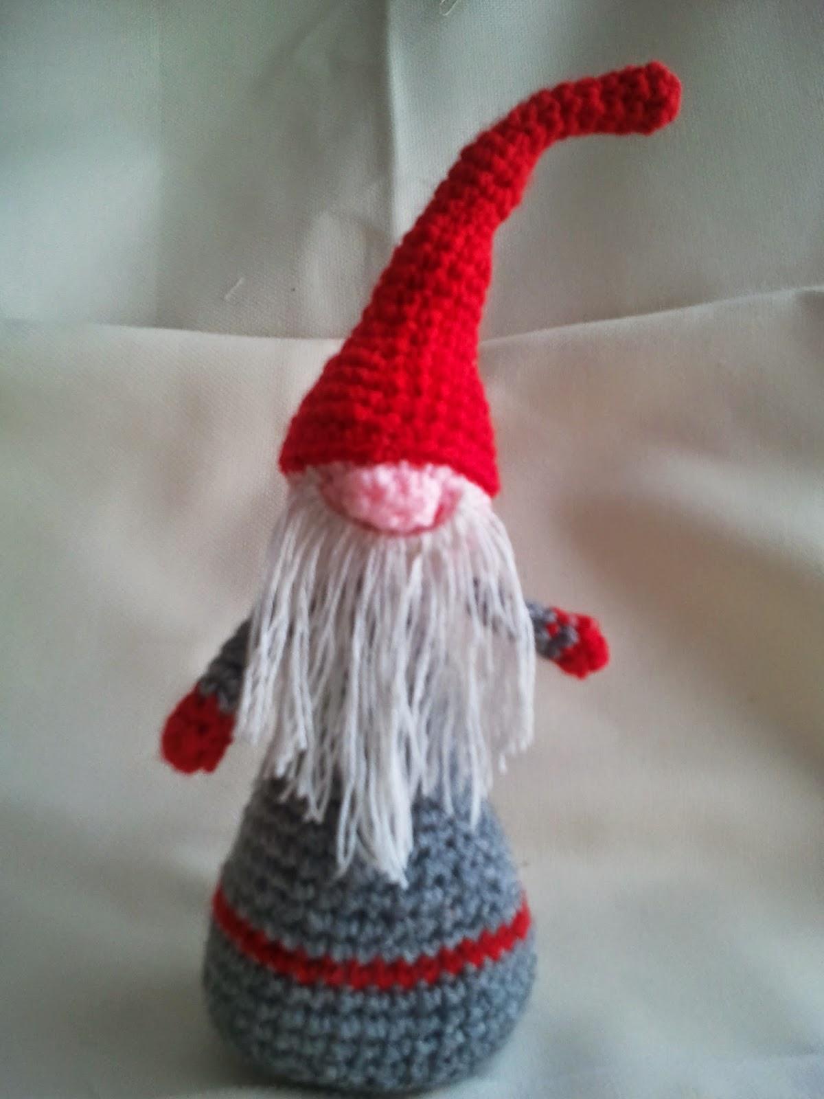 CANAL CROCHET: Duende navideño amigurumi, patrón libre.