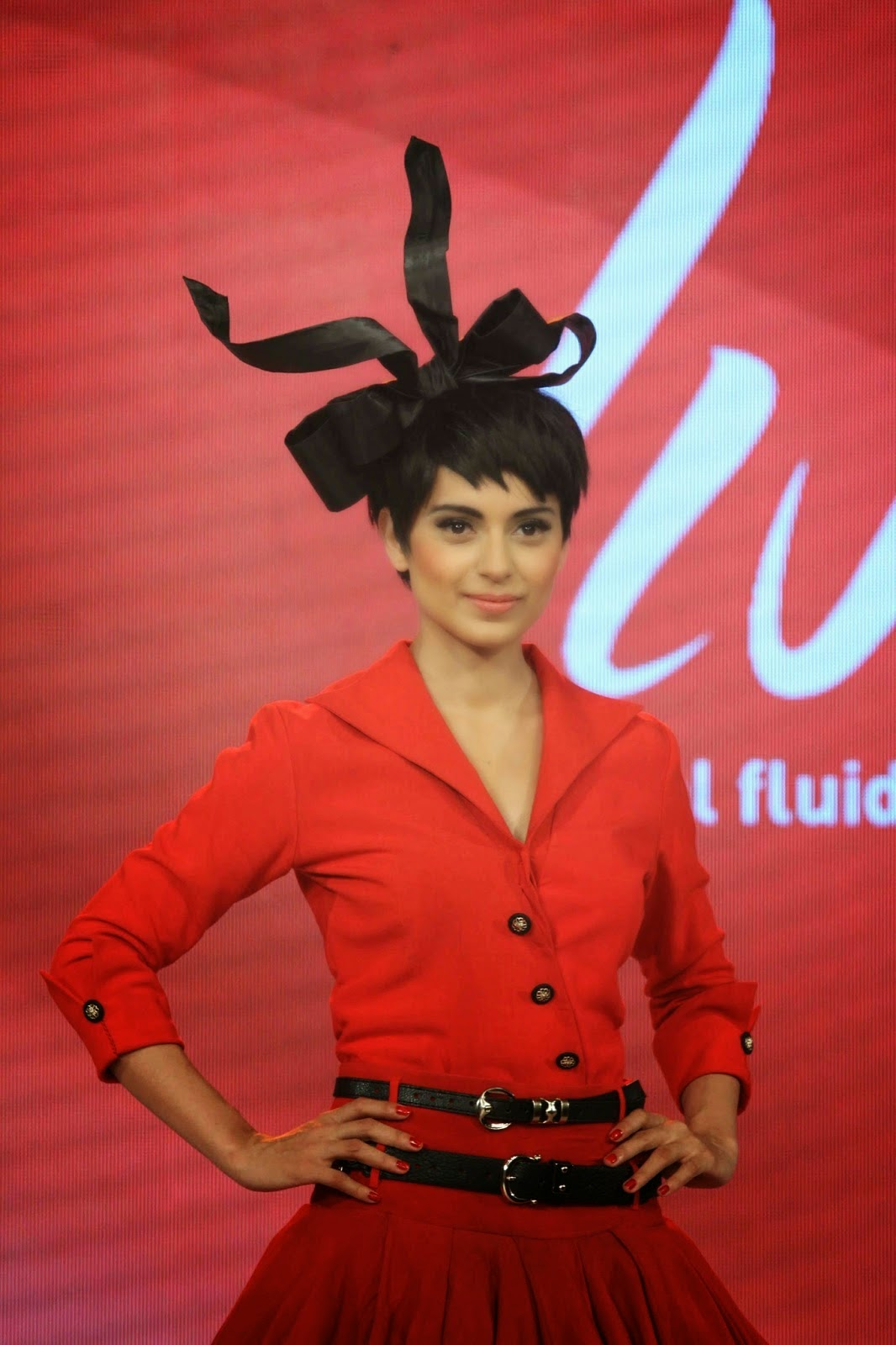 Kangana Ranaut Looks Smoking Hot On The Ramp At Birla Cellulose 'LIVA' Brand Launch