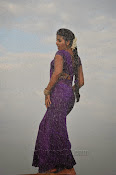 Anjali photos from SVSC Vana Chinukulu Song-thumbnail-5