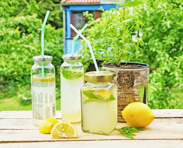 Zitronenlimonade mit Zitronenverbene