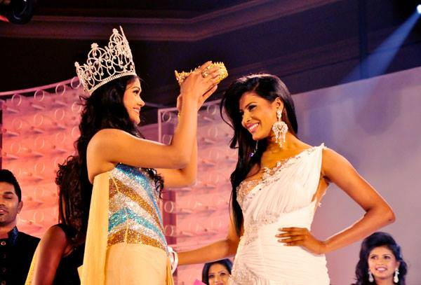 Siyatha Lux Miss Sri Lanka 2013 is Ginthota Vidanalage Iresha Asanki De Silva