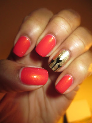 Valentine inspired, Valentine's Day, hearts, sprouting hearts, coral, gold, black, nails, nail art, nail design, mani