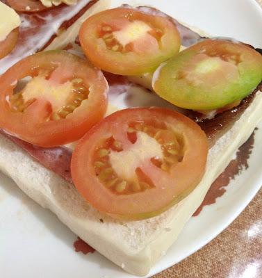 ham sandwich at www.diningincebu.blogspot.com
