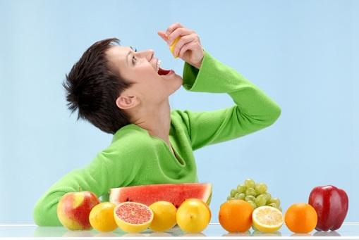 makan buah