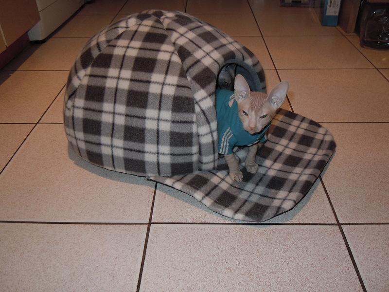 Лежанка домик для кошки сшить