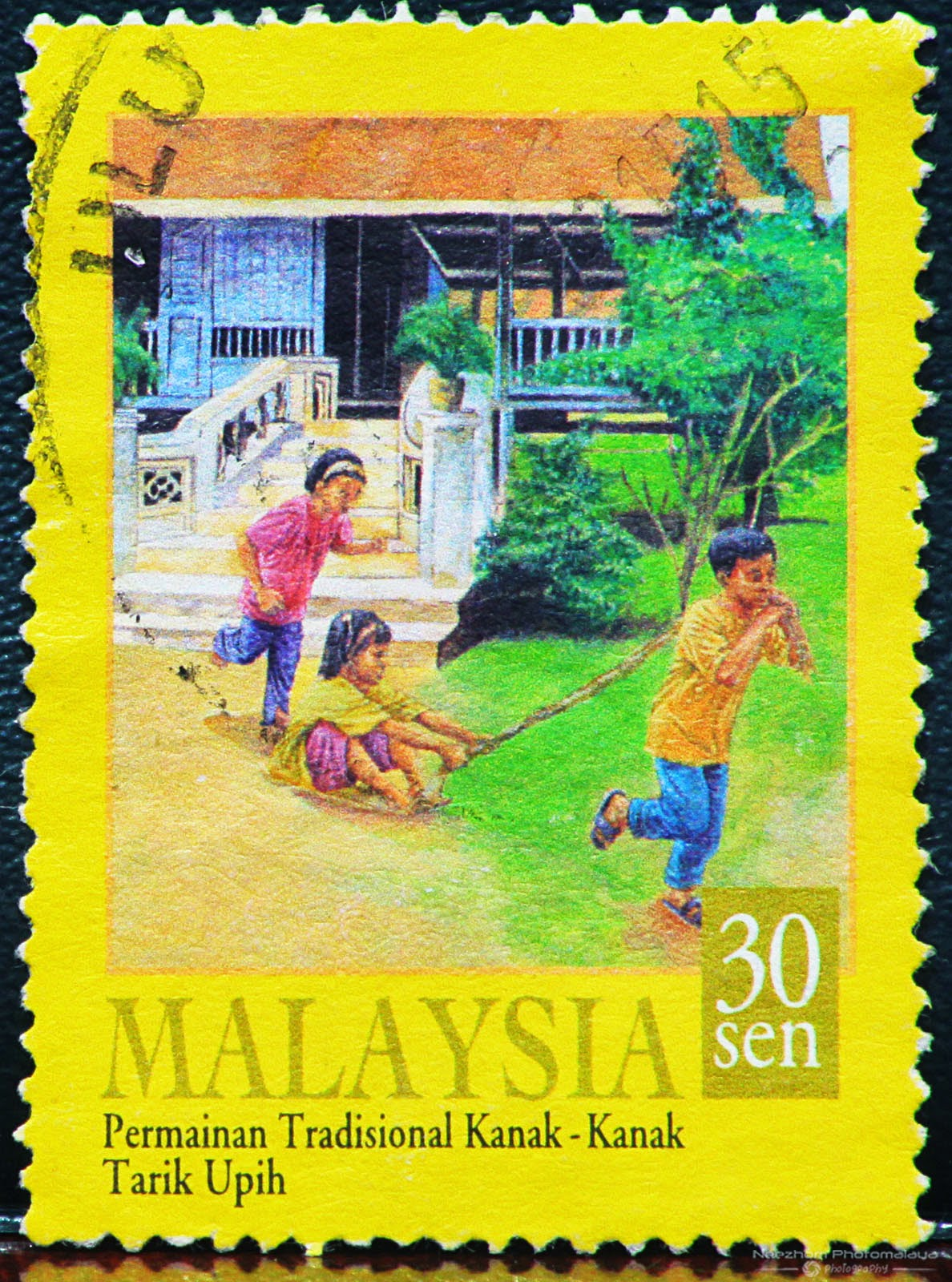 malaysia traditional games How can traditional games be safeguarded as a living heritage how can new information and communication technologies (icts) be used not only to preserve traditional.