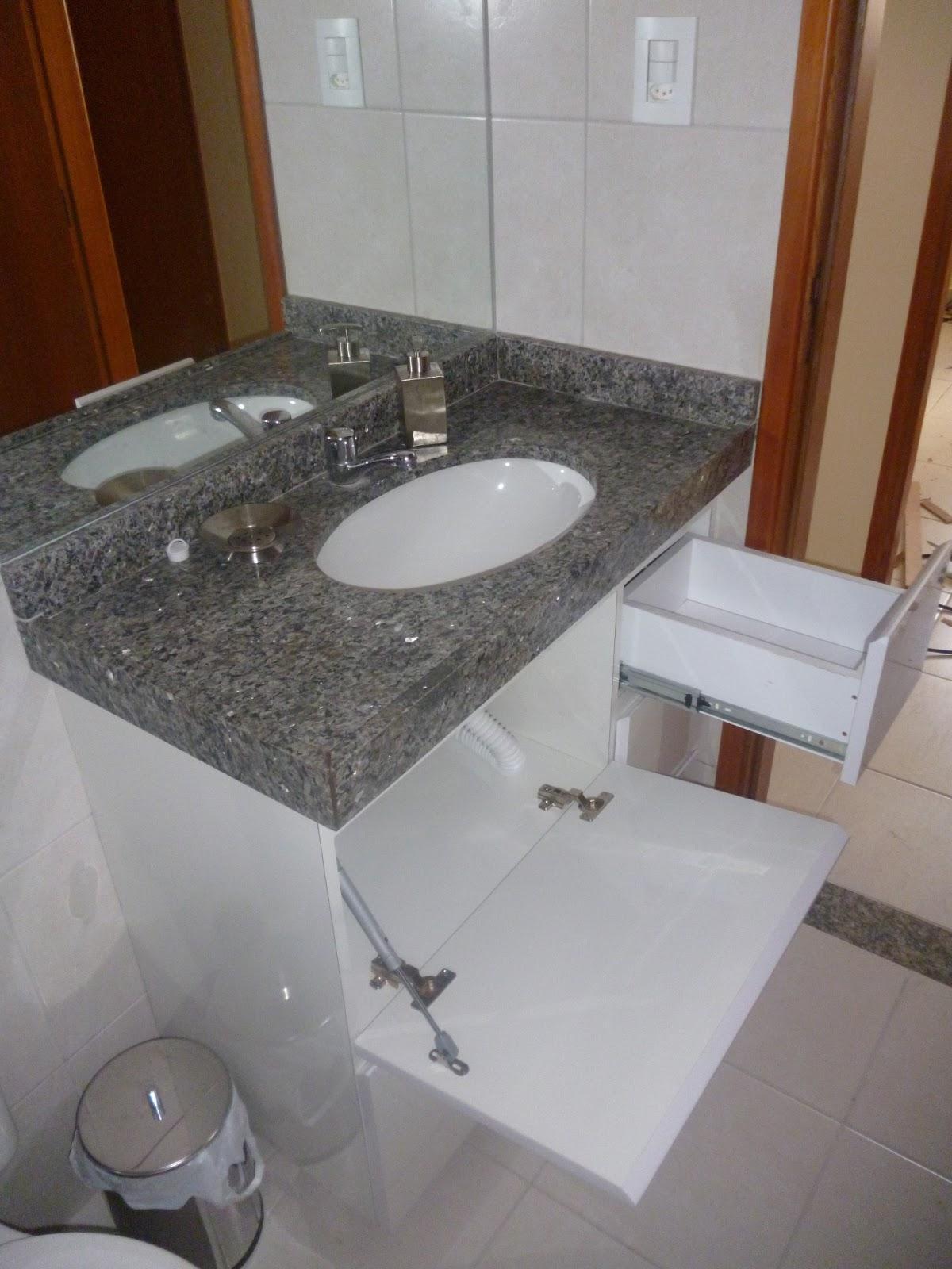 VIA ART FERRO Contato (81)988331092 E mail: via.artferro@gmail.com  #633C24 1200x1600 Armario Banheiro Granito