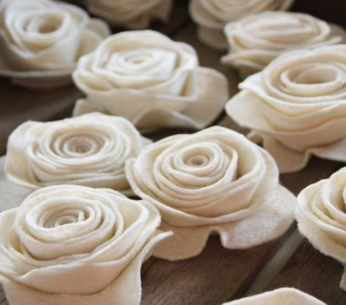 how-to make felt flowers