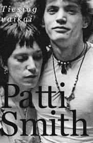 """Šiuo metu skaitau: Patti Smith """"Tiesiog vaikai"""""""