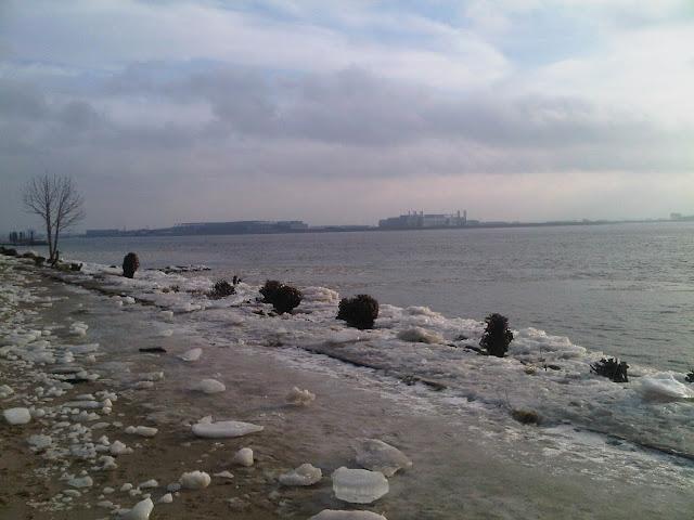 Eis am Elbstrand - Hamburg