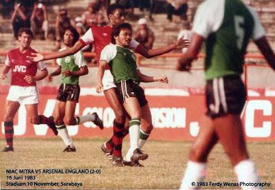 Niac Mitra VS Arsenal (2:0),http://pangkalan-unik.blogspot.com