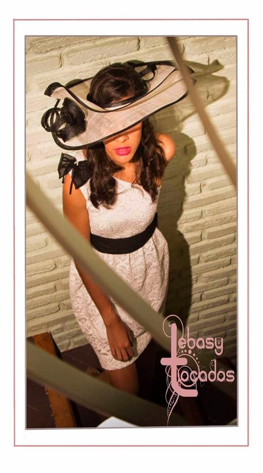 Pamela en blanco y negro en sinamay, realizado a mano, de Lebasy Tocados.