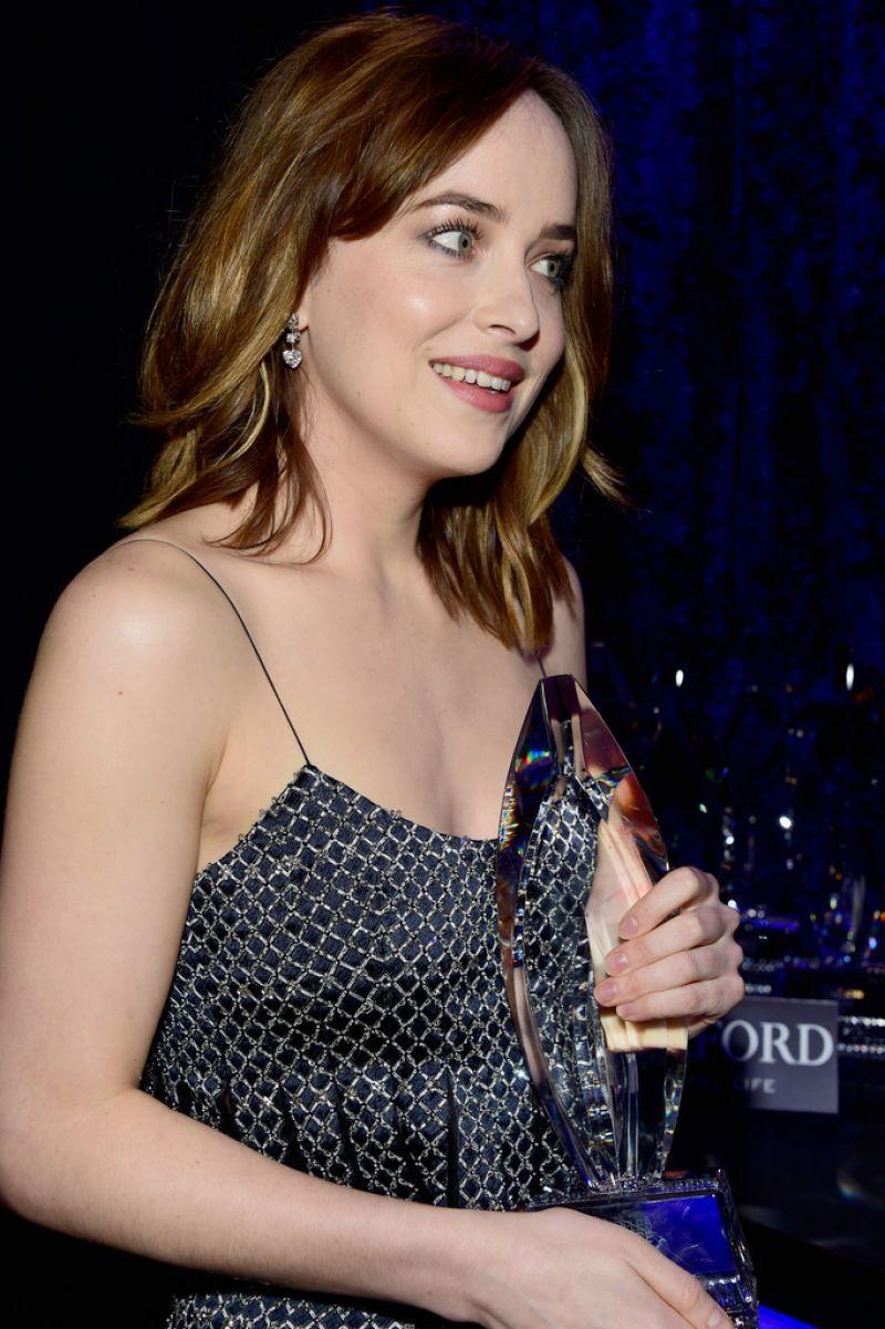 Dakota Johnson 2016 People's Choice Awards in Microsoft Theater - Photo Dakota Johnson 2016
