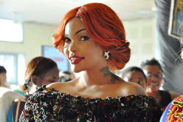 beautiful onyine aka wema sepetu alikimbiza na kivazi chake make up na