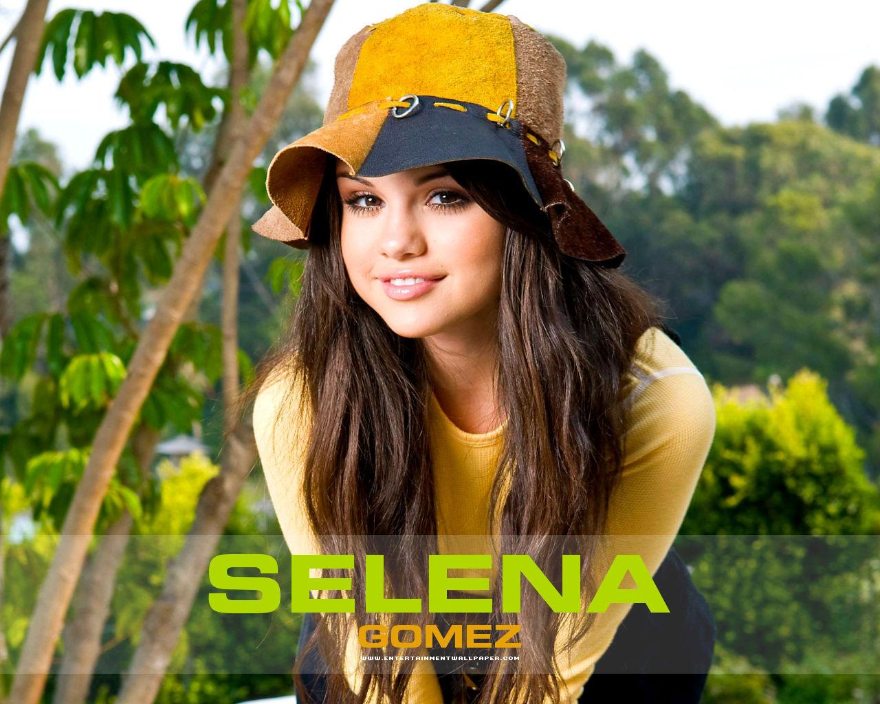 Selena Gomez Wallpapers