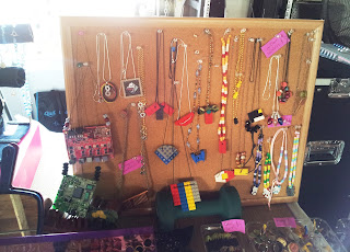 Necklace display bulletin board ideas on UpcycleFever