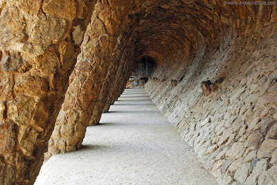 Covered path, Parc Güell