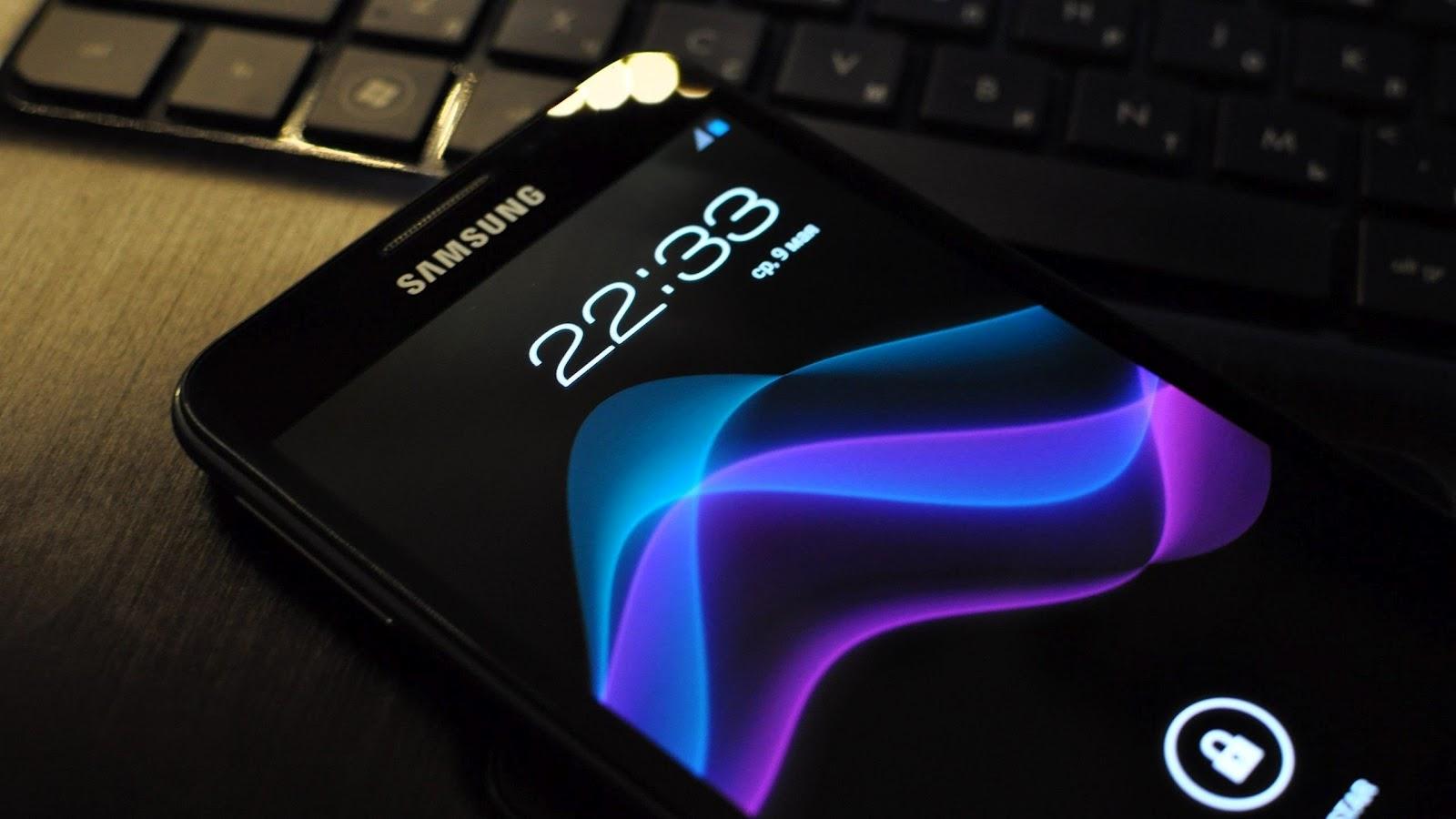 http://3.bp.blogspot.com/-l65ilba1_eQ/UCsTl-kinQI/AAAAAAAAD2M/6XVbuFNw8Nk/s1600/samsung-galaxy-note-2560x1440.jpg