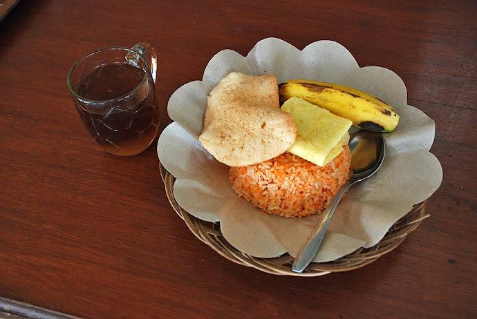 Arroz, plátano y té