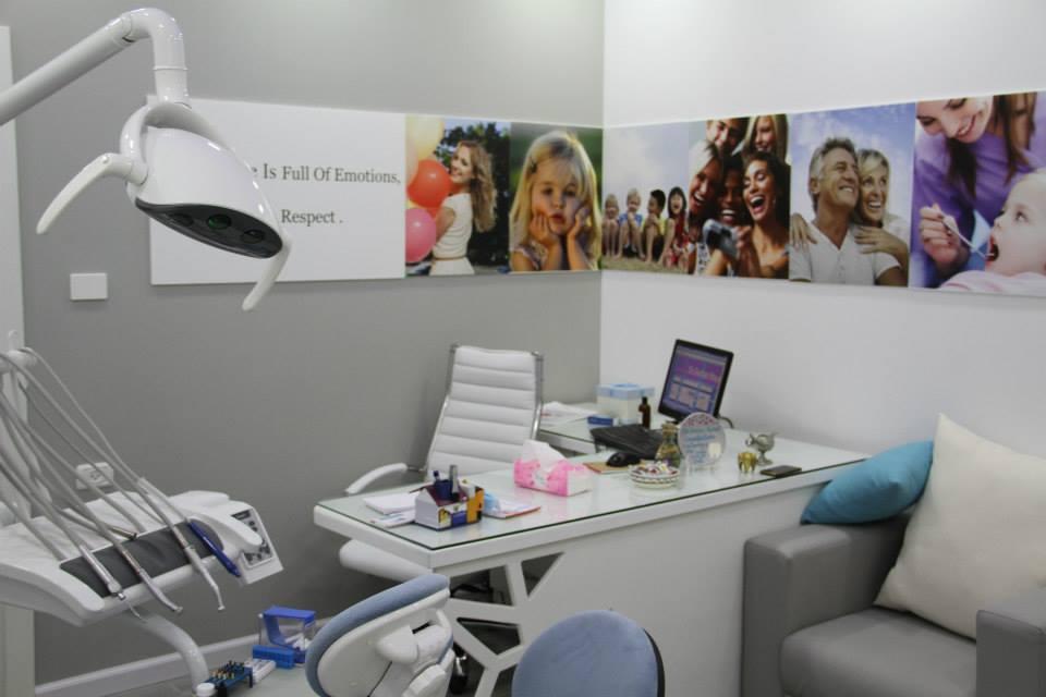 Home decor modern dental clinic interior design for Dental office design chapter 6