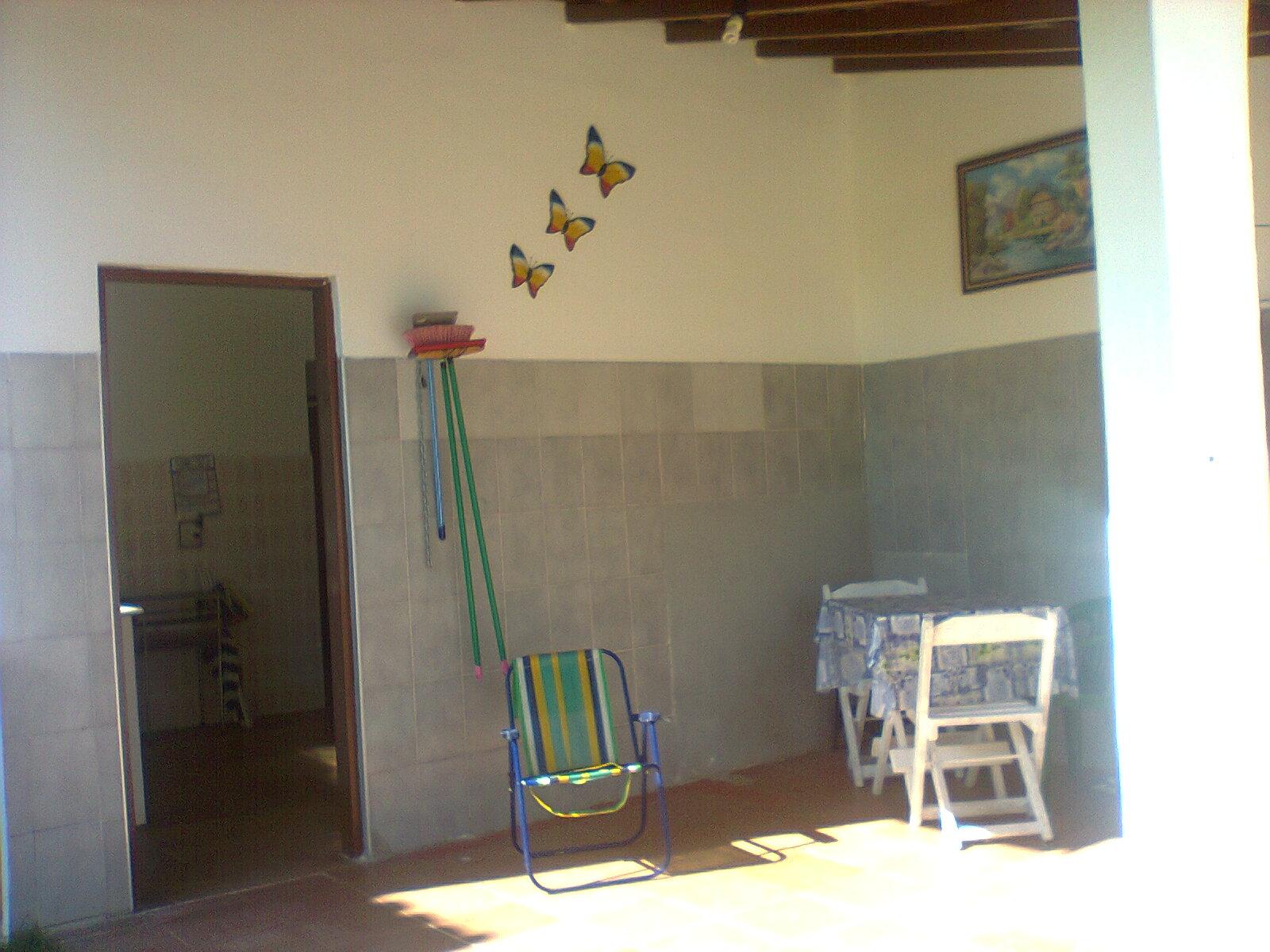 Loca Caraguá: ÓTIMO LOCAL QUARTO E COZINHA 300 METROS DA PRAINHA  #6E7F4C 1600x1200 Banheiro Acessivel Completo