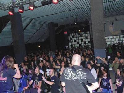 Φωτογραφία απο την συναυλία πριν ξεσπάσει η φωτιά