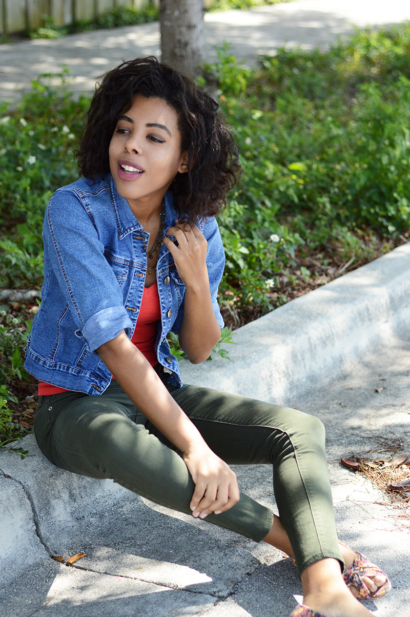 Fashion and Indie Culture Blogger Anais Alexandre of Down To Stars in a vintage jean jacket and forever 21 top with old navy pants and Kimchi Blue floral flats