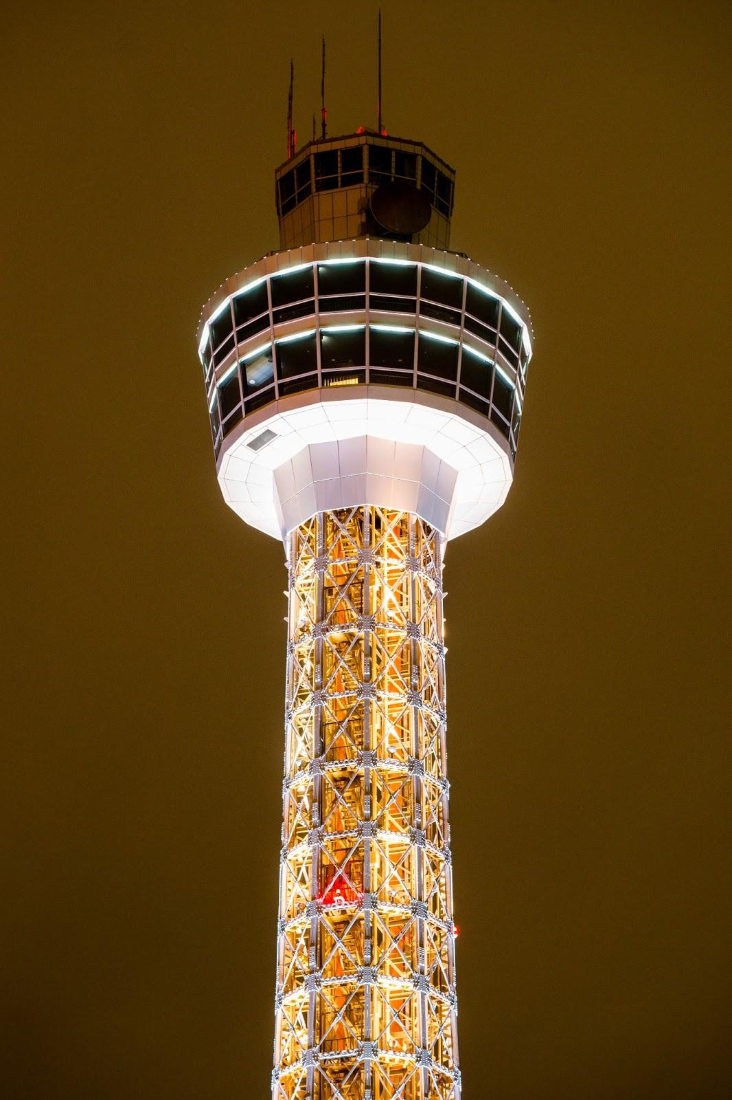 横浜マリンタワーの写真