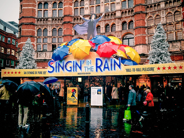 Singing in the Rain Palace Theatre London review