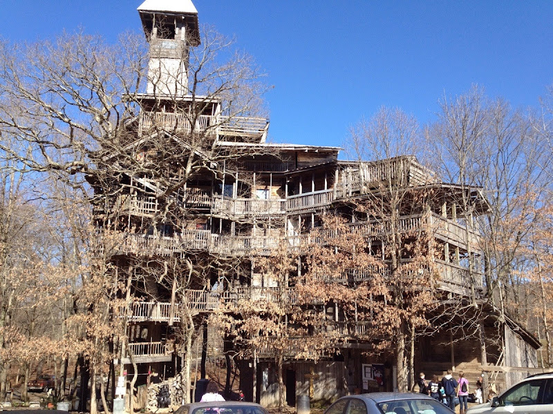 Worlds largest treehouse near crossville crack two - Biggest treehouse in the world ...