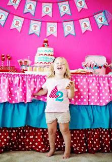 Foto Gambar Bayi Perempuan Ulang Tahun Ke 2