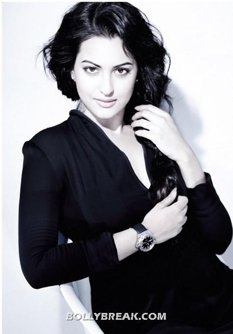 Sonakshi sinha - Bollywood Natural looking actresses Sonakshi, anushka or Chitranghada?
