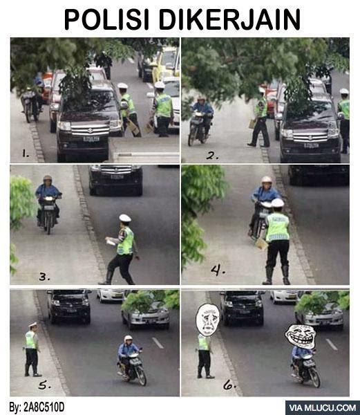 Polisi Dikerjain Pesepeda Motor