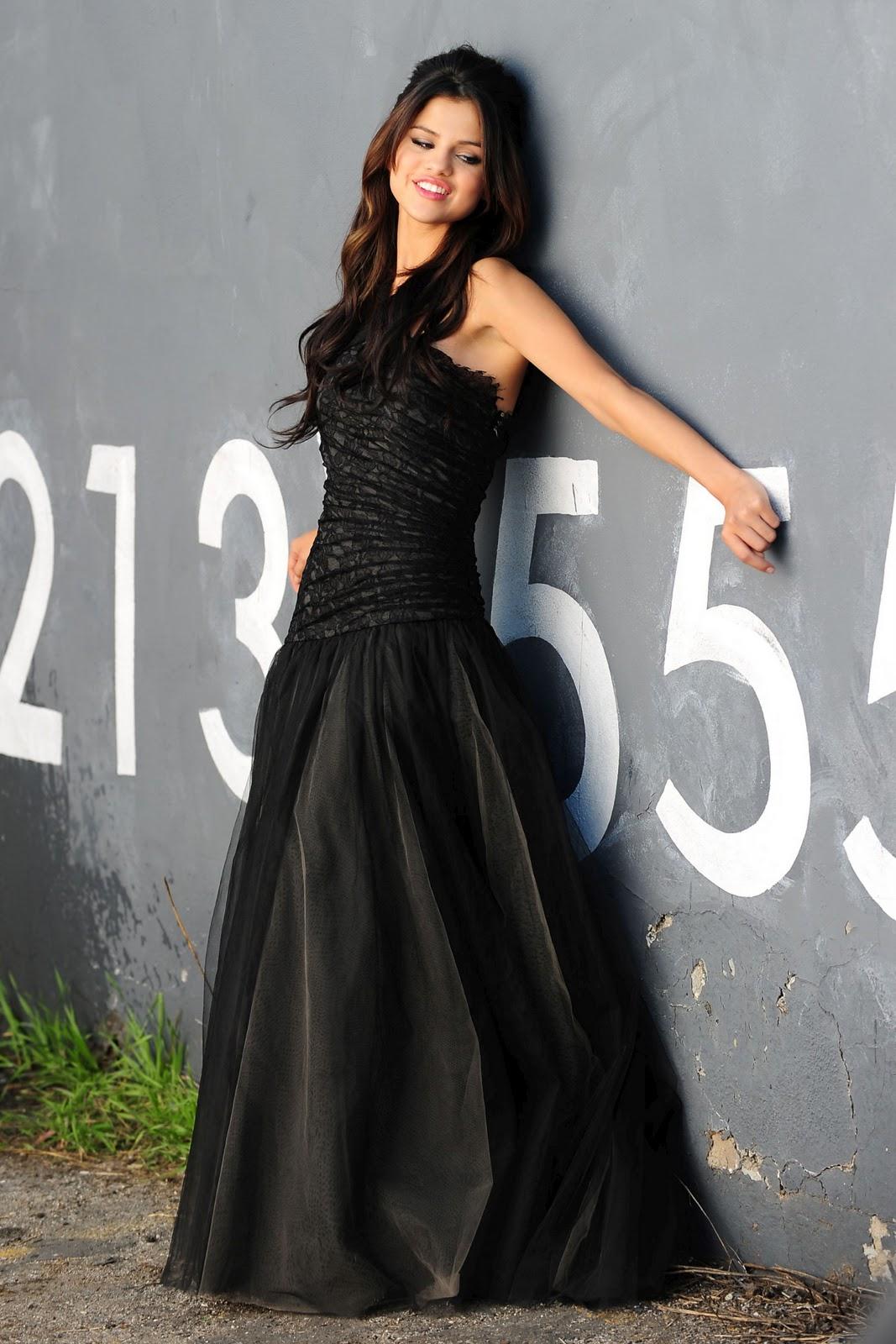 http://3.bp.blogspot.com/-l7HujzMtfNE/TV7C5LwUV8I/AAAAAAAACO0/mUk7L_AvbyU/s1600/Selena-Gomez-101.jpg