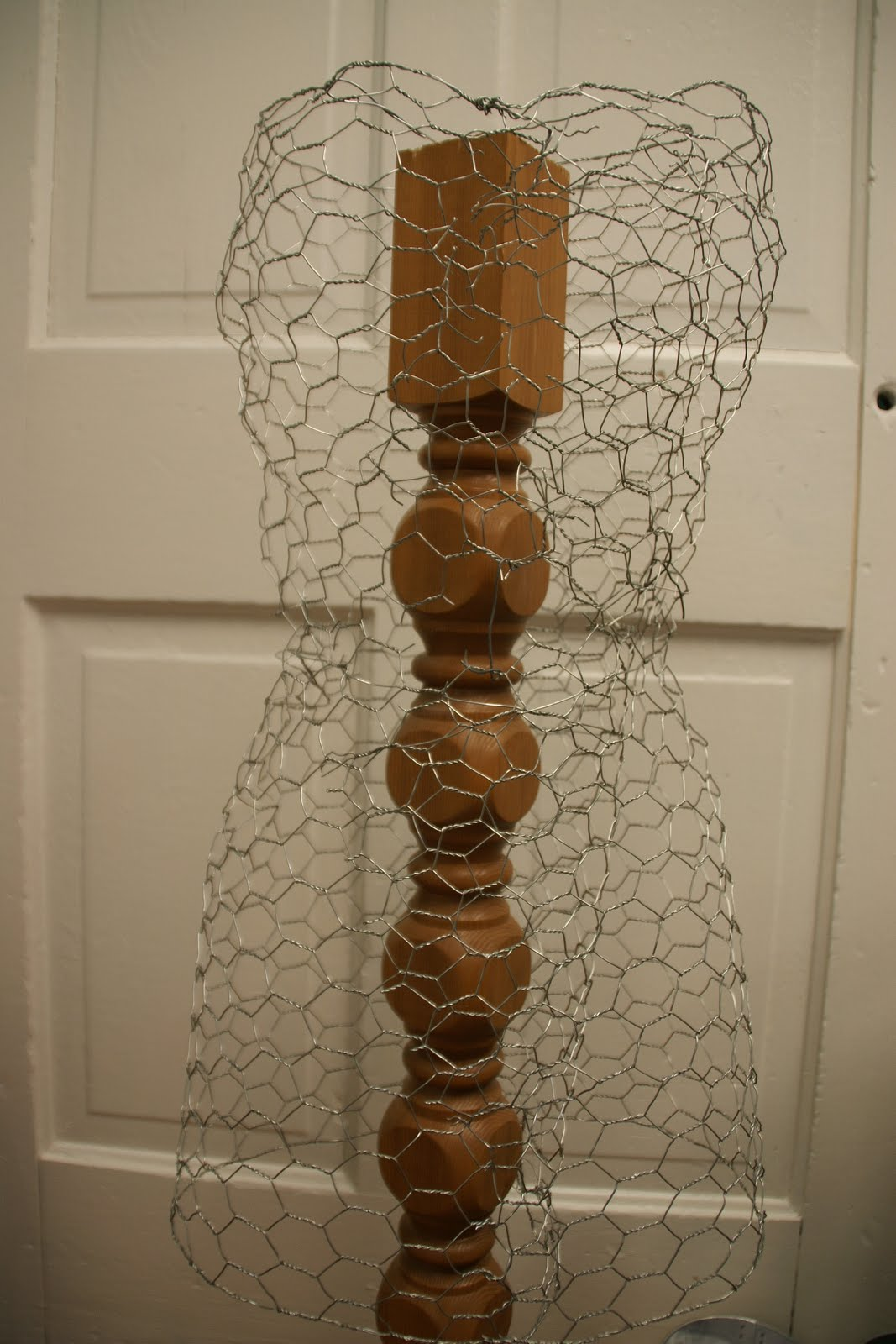 how to make chicken wire sculptures step by step